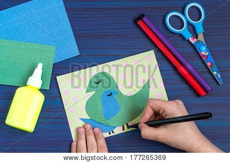 Making a greeting card for Mother's Day. Children's art project. DIY concept. Step-by-step photo instruction. Step 7. Drawing image details