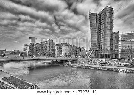 Vienna, Austria - August 15, 2016: Aspern Bridge Over Donaukanal (danube Canal), Former Arm Of The R