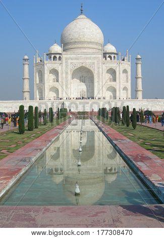 Iconic Perspective Of The Taj Mahal Mausoleum