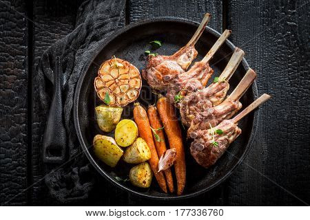Hot Grilled Ribs Of Lamb With Thyme And Spices