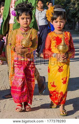 SAGAING, MYANMAR - NOVEMBER 27, 2016 :people gathering in tradional costtumes for a donation  festival in Sagaing  Myanmar