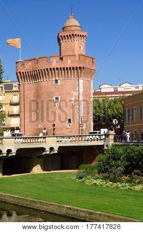 Castellet, Perpignan, Languedoc-roussillon, France, Europe, Building, Castle, Brick, Old