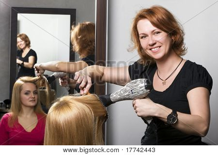 poster of At beauty salon