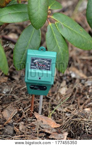 Soil moisture, light and PH meter