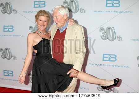 LOS ANGELES - MAR 19:  Alley Mills, Orson Bean at the