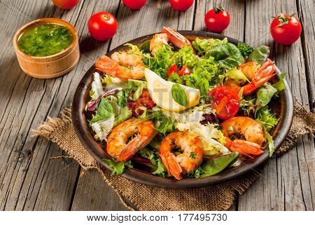 Lettuce Salad With Grilled Shrimps Prawns