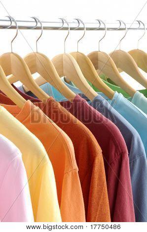 appendiabiti con t-shirt