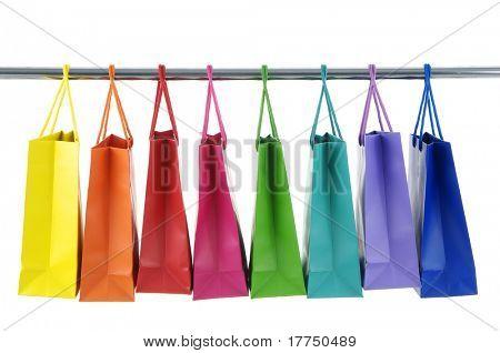 Bolsas colores sobre fondo blanco