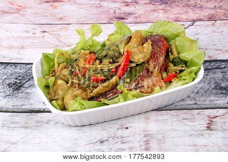 Green Tilapia Fish Curry In Coconut Milk .
