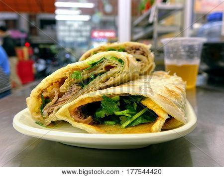 Chinese Pancake Roll With Cooked Beef