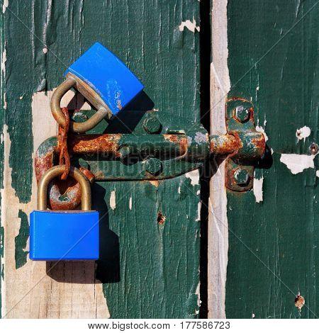 old vintage rust keylocks and door image