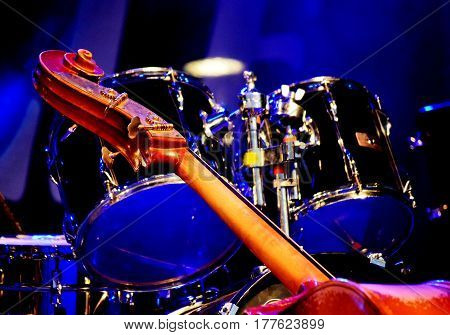 black bass and drums on the concert stage