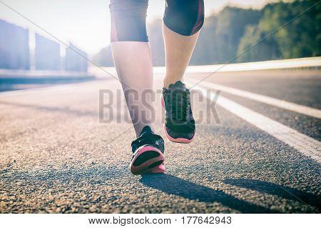 run runner sport shoe road jogging flare sunset street fitness cross sunbeam