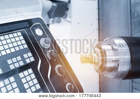 The horizontal  CNC milling machine  with the controller panel