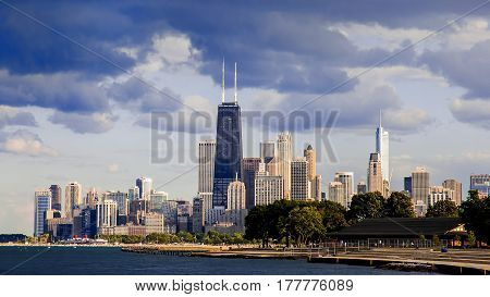 Downtown chicago buildings and skyline on Lake Michigan