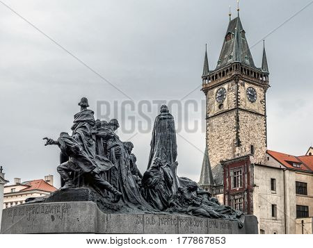 Jan Hus monument and Old Town City Hall, Praque, Czech Republic