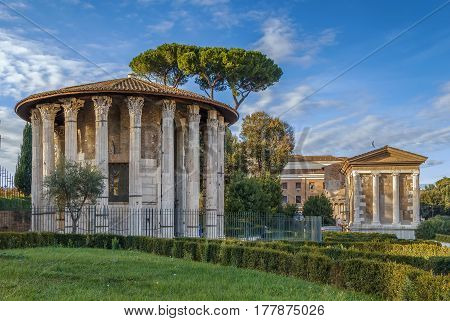 The Temple of Hercules Victor (Hercules the Winner) is an ancient edifice located in the area of the Forum Boarium close to the Tiber in Rome Italy.