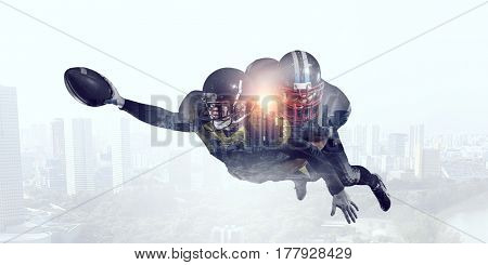 Exposure of American football players . Mixed media