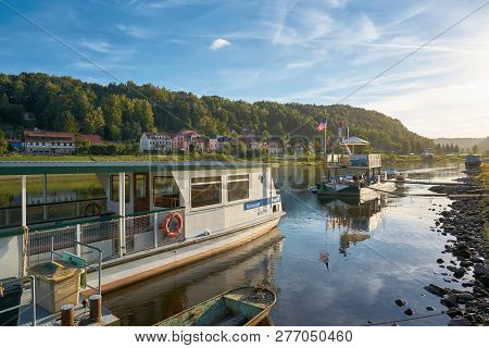 Wehlen, Germany - October 04, 2018: Ferry Traffic On The Elbe Near Wehlen In The Elbe Sandstone Moun