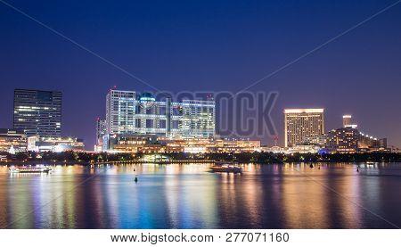 Odaiba High-tech Entertainment  In Tokyo Bay, Japan At Night