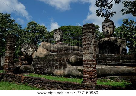 Wat Phra Kaeo With Buddha Statues Historical Park In Kamphaeng P