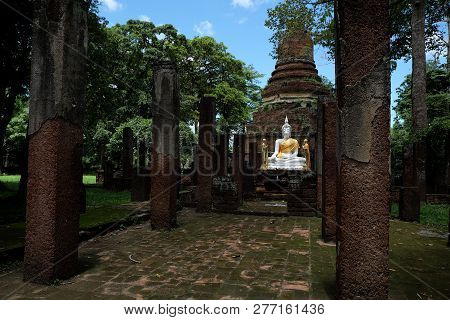 Wat Chang With Buddha Statues Historical Park In Kamphaeng Phet, Thailand (a Part Of The Unesco Worl