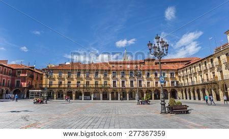Leon, Spain - April 16, 2018: Colorful Historic Buildings At The Plaza Mayor Of Leon, Spain