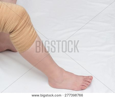 Orthopedic Kneecap To Relieve The Load And Fix The Sore Knee, Close-up, Copy Space, Medical, Bandage