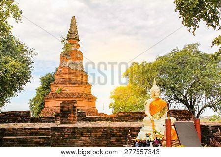Wat Phra Ngam Temple In Ayutthaya ,thailand.