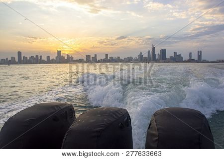 Manama, Bahrain, December 30, 2018: Panoramic View Of The City. Manama Of Bahrain - Skylines Of Mana