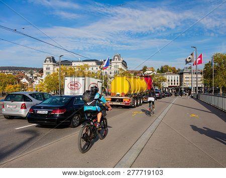 Zurich, Switzerland - September 29, 2017: Traffic On The Quaibrucke Bridge, View Towards Bellevuepla