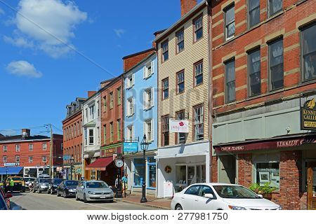 Portsmouth, Nh, Usa - Aug 18, 2014: Historic Buildings On Market Street At Market Square In Downtown