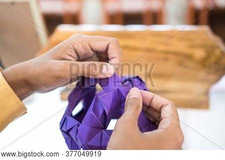 Teacher Teaching About Multicolor Modular Origami Star Sphericalal Of Modular Origami Spiky Ball Mod
