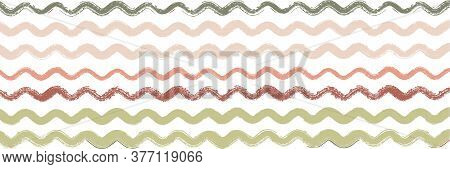 Cool Wavy Zigzag Stripes Vintage Pattern. Winter Autumn Trendy Fashion Textile. Ink Brushed Lines De