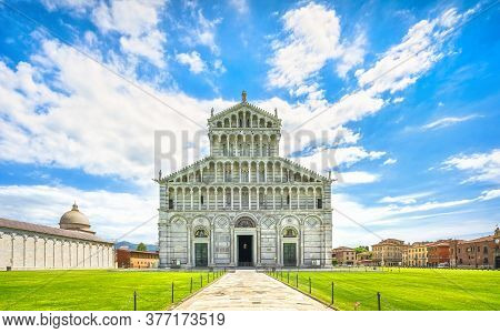 Duomo Of Pisa Cathedral, Miracle Square Or Piazza Dei Miracoli. Tuscany, Italy, Europe.