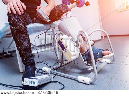 Patient On Cpm Machines, Continuous Passive Range Of Motion.