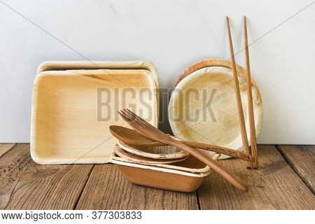Natural Eco-friendly Food Packaging Disposable Utensils With Dish Plate Bowl Cup And Wooden Fork Spo