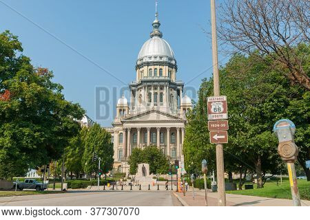 Springfield, Illinois, Usa - September 1 2015;  Illinois State Capitol Building With Of Abraham Linc