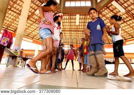 Pau Brasil, Bahia / Brazil - April 24, 2012: Indigenous Children Of Atina Pataxo Ha-ha-hae Are Seen