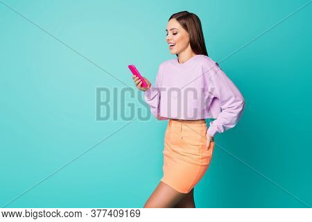 Profile Photo Of Cheerful Lady Hold Telephone Write Message E-mail Friends Laughing Out Loud Cool Jo