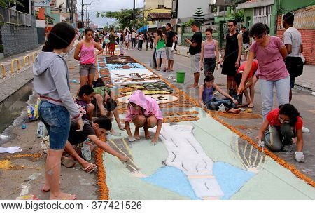 Itabuna, Bahia / Brazil - June 7, 2012: People Are Seen Making Traditional Tapes During The Corpus C