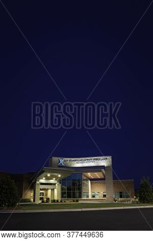 Vidalia, Georgia / Usa - March 13, 2020: Facade Of Meadows Regional Medical Center\'s Tommy And Shir