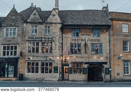 Stow-on-the-wold, Uk - July 6, 2020: Facade Of The Kings Arms Pub In Stow-on-the-wold, A Market Town