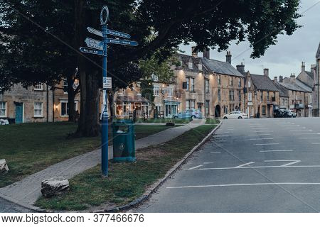 Stow-on-the-wold, Uk - July 6, 2020: Signpost With Directional Signs On A Street In Stow-on-the-wold