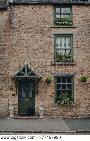 Stow-on-the-wold, Uk - July 6, 2020: Facade Of A Traditional Limestone English House In Stow-on-the-