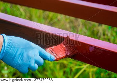 Protective Coating Of Steel Closed Profiles With Primer Iron Oxide Red