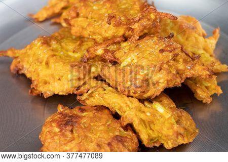Kofta (fried Crispy Pakoda) Deep Fried Recipe, Indian Food.