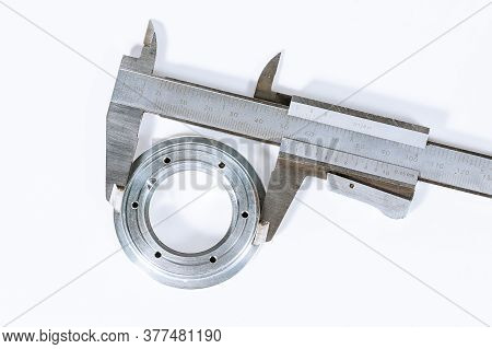 Calipers. Modern Measuring Device. Measurement Accuracy. Measuring The Diameter Of A Circle On A Whi
