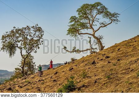 Tis Issat, Ethiopia - Feb 05, 2020: People Living Near The Blue Nile Falls, Tis-isat Falls, Meaning