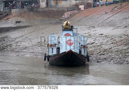 SUNDARBANS, INDIA - FEBRUARY 25, 2020: Tourist boats starting their sightseeing trips in Sundarbans, West Bengal, India